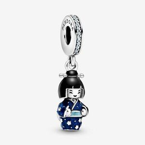 ♉Pandora  Japanese Doll in Blue Kimono Dangle Char